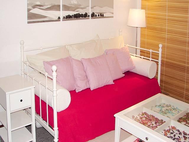 apartment bei den sieben zwergen standorte hannover 6 bilder. Black Bedroom Furniture Sets. Home Design Ideas